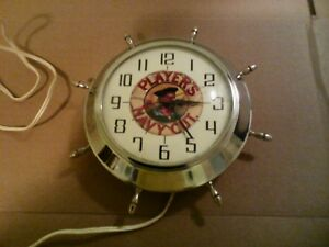 vintage wall clock/horloge murale players