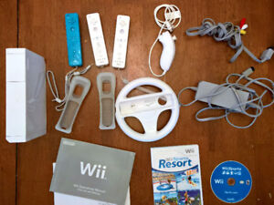 Nintendo Wii - 3 Controllers - 2 Games - Accessories