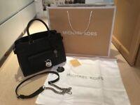 Gorgeous Micheal Kors Handbag