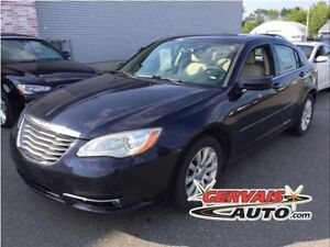 Chrysler 200 Touring V6 Toit Ouvrant A/C MAGS 2011