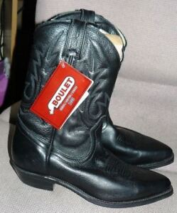 Ladies BNWT Black Leather Boots Size 9