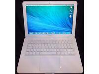 Apple Macbook Unibody Laptop - 2.16Ghz/8GB/250GB SSD/Audio/DVDRW/Wifi /iLife '11/Microsoft Office.