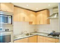 2 bedroom flat in Hackney, London, E5 (2 bed)