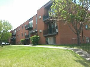Nice 2 bdrm Suite Avail Aug 1st.   $860/mth