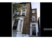 1 bedroom flat in Ardleigh Road, London, N1 (1 bed)