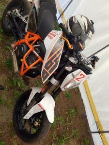 2013 KTM Duke 690 cc