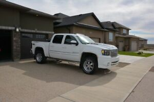 2009 GMC SIERRA SLT, 6.2L SUPERCHARGED one owner