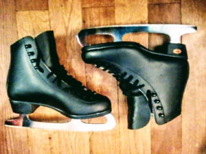 Black Figure skatees