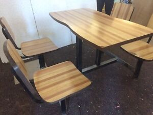 Table style banquette