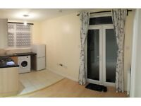 Phipps Bridge Road SW19 Studio to Let £850 INC ALL BILLS 15 to Colliers Wood Stn