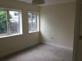 Two bed house to rent in central Newton Abbot with parking
