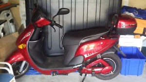 GIO Electric Scooter - Mint condition !!!!