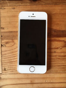 White 32GB iPhone 5s in great condition
