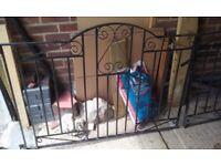 2 Iron Gates Used