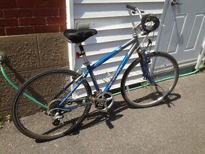 Vélo hybride Giant
