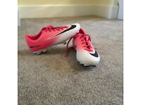 Kids Nike Mercurial Victory football boots size 1
