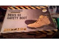 Men's Workwear Safety Boots, Size 8 - NEW in original box, never worn