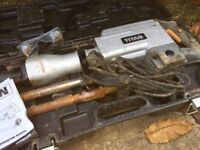 Titan TTB280DRH 15.5kg Hex Shank Breaker 230V