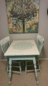 Charming table and chair set