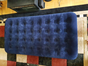 2 Twin Size Air Beds - Free Pump