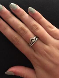 Pandora silver Tiara ring