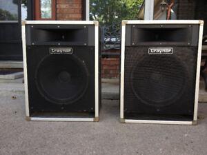 Pair of vintage Traynor CS-115H speakers