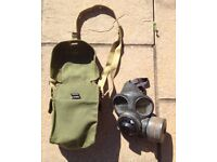 British Army WWII pattern Lightweight Gasmask and case