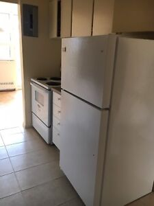Female roomate needed near Victoria park station from September