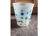 Small blue spotty bin