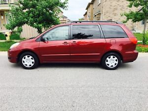 2007 Toyota Sienna Le, 121 000 KM, 1 Owner, 8 Seats