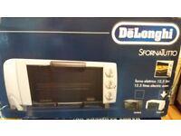 deLonghi Oven - Unused