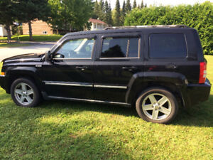 2010 Jeep patriot limited north.