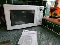 Large 900W LG Microwave