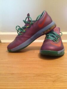 Basketball Sneakers - KD's Size 7 Youth