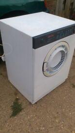 "Tumble dryer ""compact"""