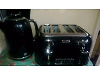 Black matching breville 4 slice toaster and kettle for sale in good working order