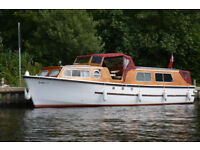 BOAT: 30 Ft Traditonal Broads Cruiser for Sale. Lying Horning. £14000 or close offers.