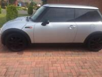 Mini Cooper chill pack 2003 long MOT may 2018 no offers plz Full service history