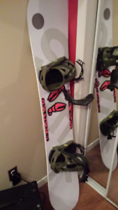 Snowboard YES Basic 2016 (158cm) + Bindings Now Ipo (Large)