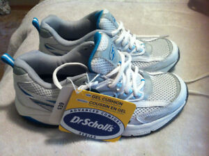 DR.SCHOLLS RUNNING SHOES SIZE 6 BRAND NEW