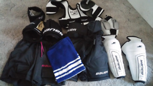 Complete youth small hockey set
