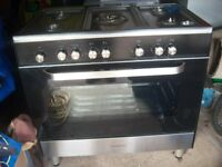 Cooker and oven/grill.