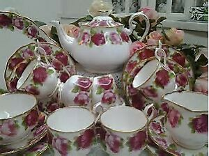 Great Prices For Royal Albert Dinner & Serving Pieces