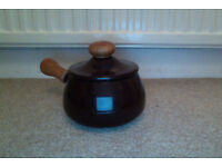 70's style fondue pot with lid