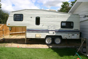 1991 Prowler 5th wheel trailer