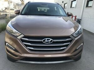 2016 Hyundai Tucson Limited! AWD! ONLY 6800KM!