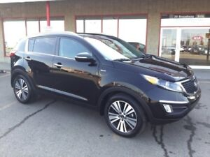 2015 Kia Sportage AWD EX LUXURY Accident Free,  Leather,  Heated