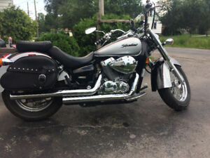 2004 Honda shadow aero 750 MINT Vance and Hines pipes LOW KLM