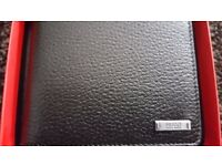 "HUGO BOSS ""ELEMENT"" 4CC SOFT GRAINED BLACK LEATHER BI-FOLD WALLET WITHH BOSS PRESENTATION BOX"