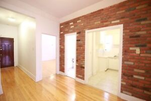 Large 2 BR with BRICK WALL in NDG! Heating & Appliances incl.